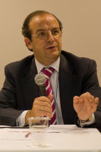 """Daniel Calleja, Director of Air Transport at the European Commission: """"This sets an important first step in addressing the question of airport charges in Community law. Airport charges must be transparent and non-discriminatory in the interest of European citizens."""""""