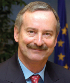 <b>Siim Kallas</b>, European Commission Vice-President responsible for Transport: <b>...</b> - budapest-charter-1-siim-kallas