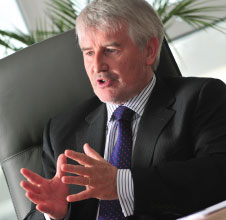 ACI EUROPE President Declan Collier is to leave his position as CEO of Dublin Airport Authority (DAA) and take up a new role as Chief Executive of London City Airport in early 2012.