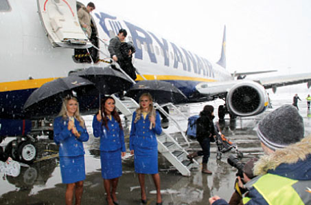 Ryanair established a base at Budapest on 17 February with 5 based aircraft and 30 new routes, and is now the airports biggest customer in terms of passenger numbers.
