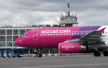 Wizz Air has based a sixth aircraft in Budapest and opened 10 new routes, taking the total to 33. The airline has recently obtained two of the regulated ex-Malv routes, starting new flights to Kiev and Tel Aviv from December.
