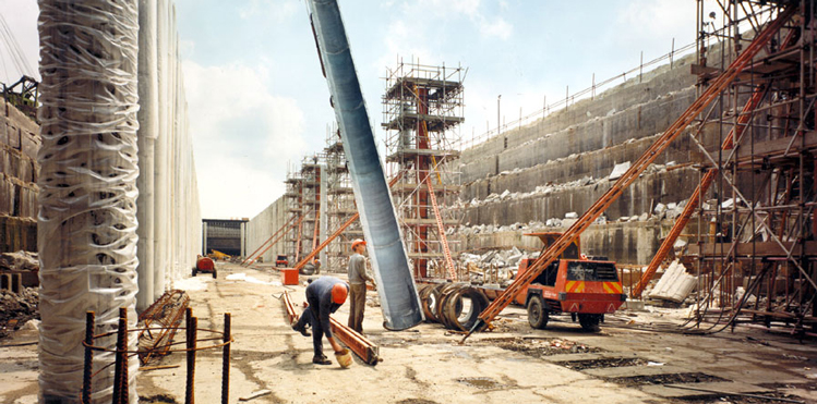 From start to finish construction by John Mowlem & Co plc took 18 months, including the airport's apron, pictured from underneath, where aircraft would later park. Copyright: London City Airport.