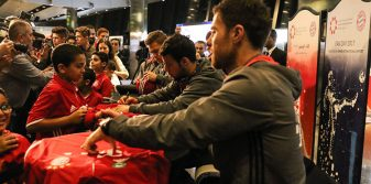 Hamad International Airport hosts fan meet and greet with FC Bayern Munich footballers