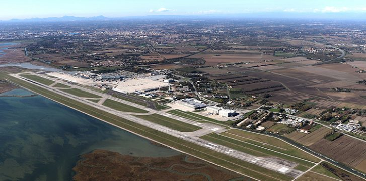 """Venice Airport """"saving energy and reducing CO2 production"""""""